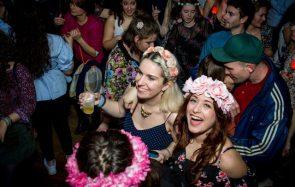 Les photos de la Grosse Teuf changent les cœurs avec des bouquets defleurs !