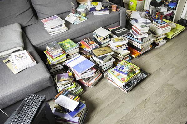 livres o les donner et conseils pour r ussir les trier. Black Bedroom Furniture Sets. Home Design Ideas