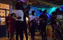 Plongée au cœur d'une «soirée kizomba», danse de salon d'origine angolaise