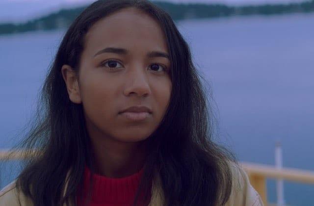 La folk intimiste d'Anna Leone va mettre ta vulnérabilité à nu