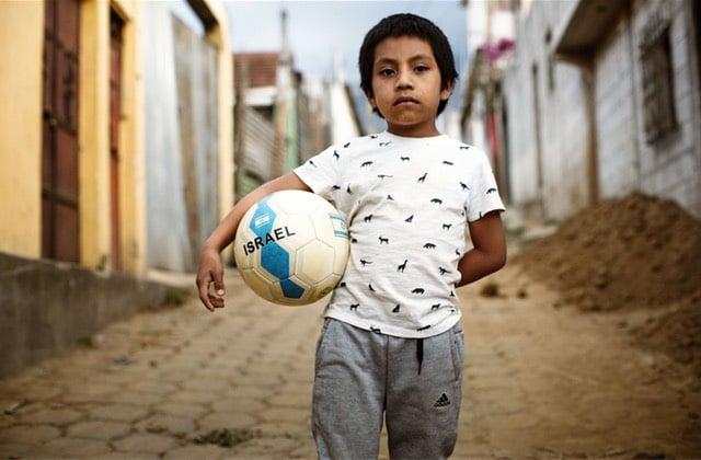 Miguel, une réflexion sur l'adoption et ses enjeux