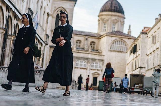 Les looks bibliques et FOUS du Met Gala 2018