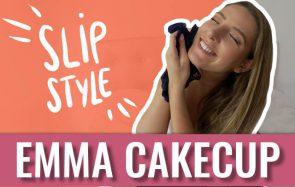 Emma CakeCup te montre sa culotte porte-bonheur dans son Slip Style !