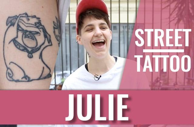 Julie et ses tatouages de dessins animés en Street Tattoos