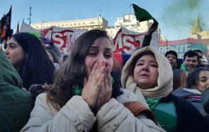 Avec les militantes féministes argentines qui ont manifesté pour le droit à l'avortement
