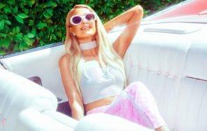 Paris Hilton ressuscite la mode des années 2000 avec Boohoo