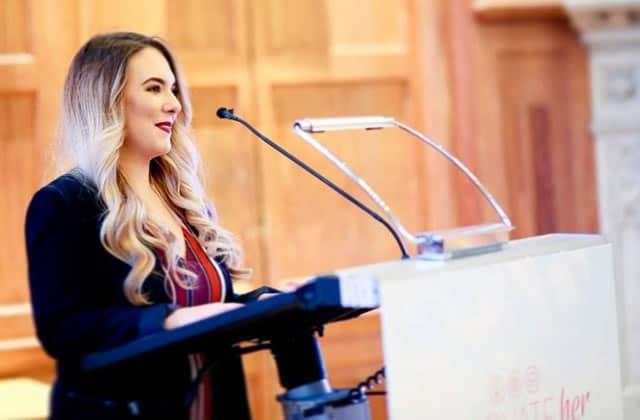 Rachel, jeune femme vent debout contre les injustices en Irlande du Nord