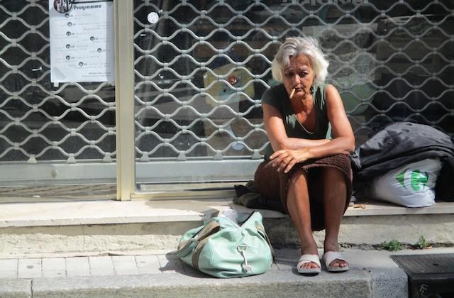 Comment aider les personnes sans-abri pendant les fortes chaleurs?