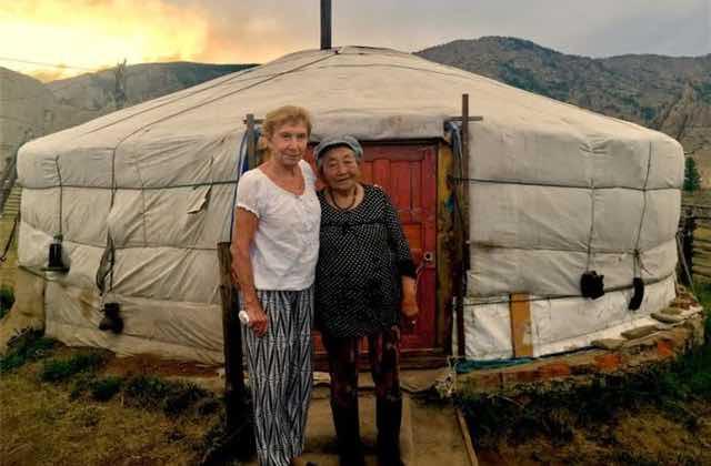 Aide Juliette à financer le docu trop chou sur le grand voyage de sa grand-mère !