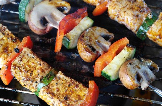 5 recettes végétariennes pour se la péter au barbecue