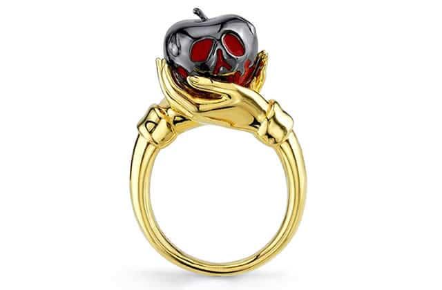 Les bijoux inspirés des méchantes Disney pètent la classe (forcément)