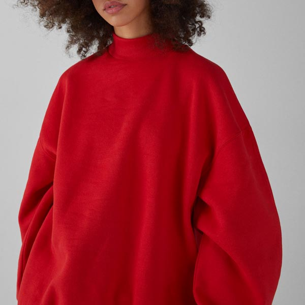 sweat col montant rouge