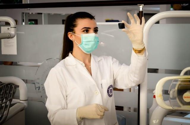 Tu es une femme scientifique et tu veux inspirer des vocations? J'ai besoin de toi!
