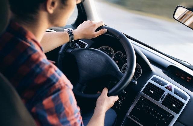 Une « baisse drastique » du coût du permis de conduire à venir ?