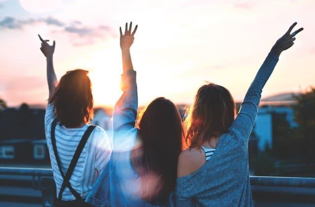Quatre idées pour transformer une pote en amie pour la vie