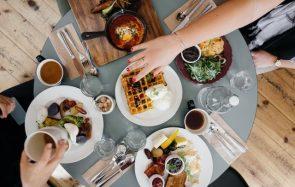 5 astuces pour organiser un brunch parfait à petit prix