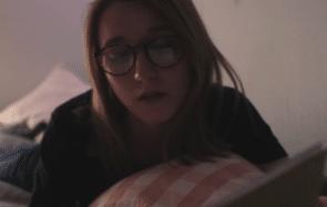 La chanson sur la procrastination à écouter en boucle au lieu de faire ton ménage