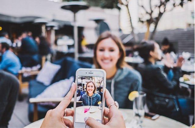 Es-tu en couple avec ton smartphone, plus qu'avec ta moitié?
