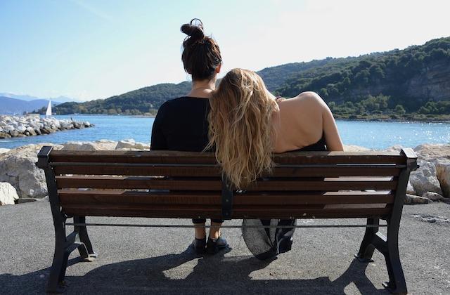Comment parler de sexe à ta petite sœur