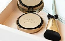poudre compacte born this way Too Faced