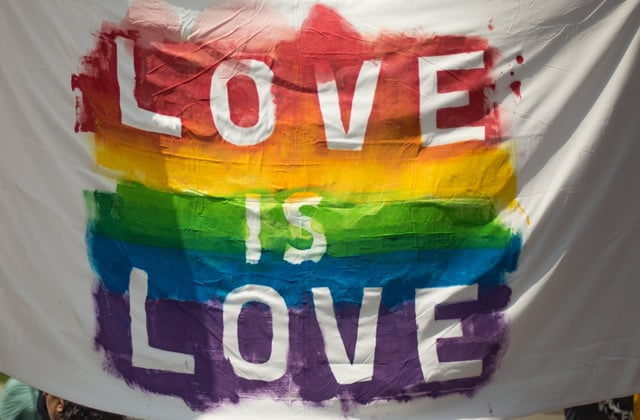 Viens choper cette BD cool autour des thématiques LGBT!