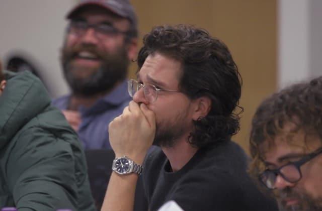 En larmes, Kit Harington découvre CETTE SCÈNE du final de Game of Thrones