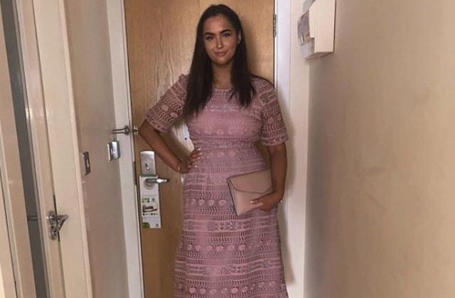 Il lui dit que sa robe ne lui va pas, ASOS fait d'elle la mannequin de cette robe