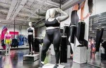 Des mannequins grande taille installés dans des boutiques Nike