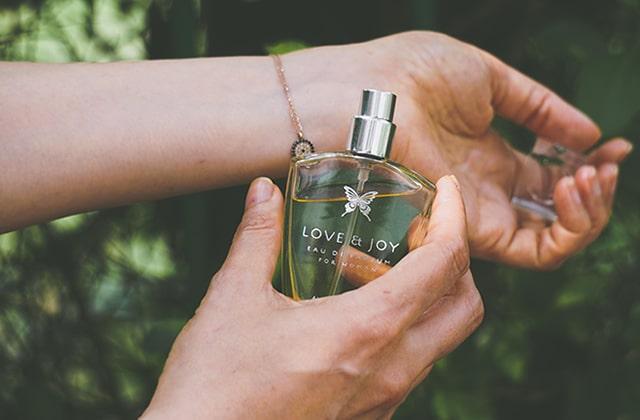 Pourquoi les parfums ne sentent pas pareil sur toutes les peaux