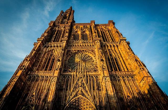 Tu viens de débarquer à Strasbourg? Suis le guide!