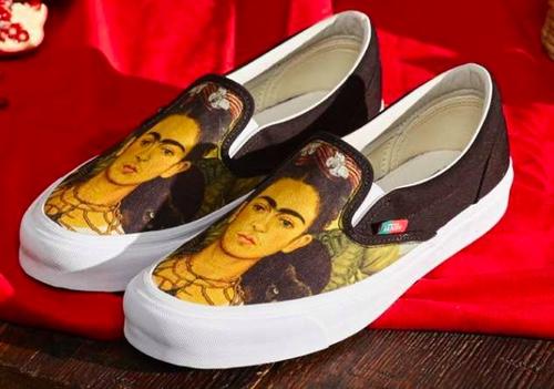 paire de chaussure vans gogh