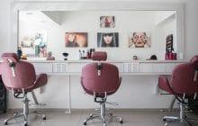 Pourquoi les femmes paient-elles TOUJOURS plus cher chez le coiffeur ?
