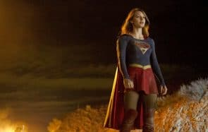 Supergirl dévoile son nouveau costume… sans jupe !