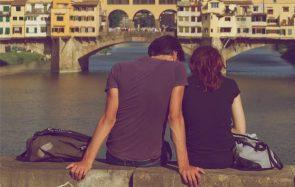 Je suis amoureuse de mon ou ma meilleure amie… que faire ?