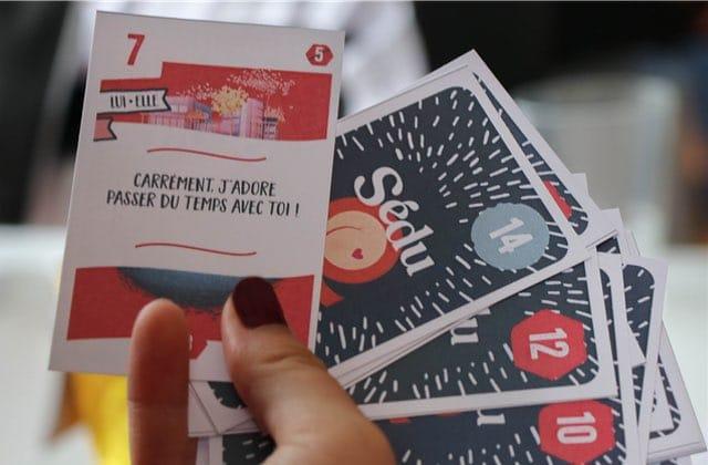 Ce SUPER jeu de cartes rend l'éducation sexuelle plus fun