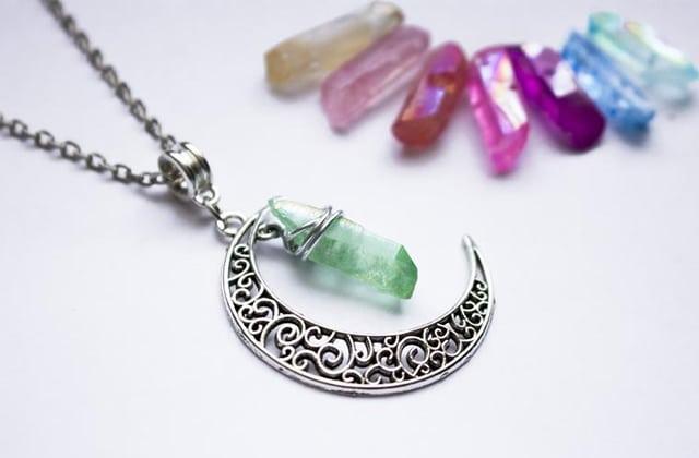 collier sorcière bijoux cristaux