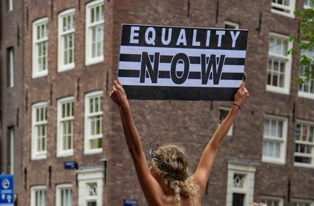 Comment l'Union européenne défend l'égalité femmes-hommes