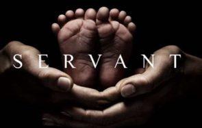 Faux bébé et vraies angoisses dans Servant, la série flippante de Shyamalan