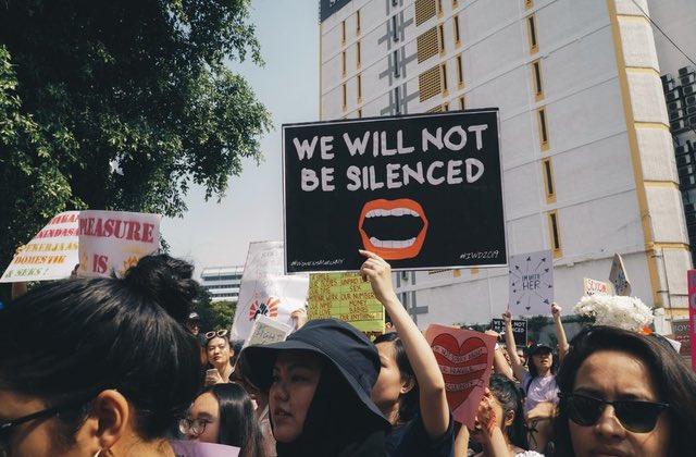 Viol collectif d'une ado en Espagne : pourquoi le jugement fait scandale