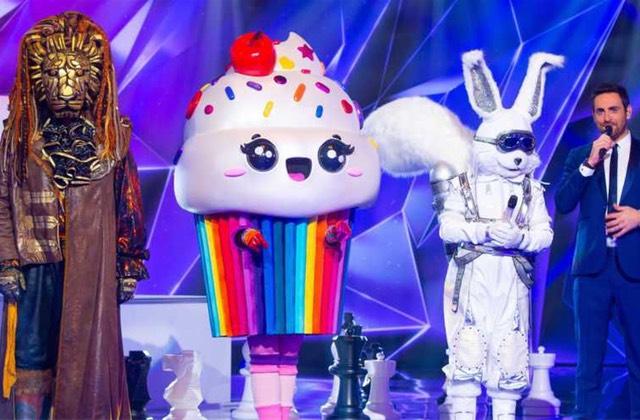 Mask Singer : des animateurs révèlent l'identité secrète de 2 candidats !