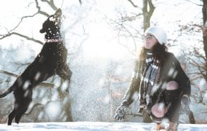 Les méthodes superstitieuses pour faire tomber la neige à Noël