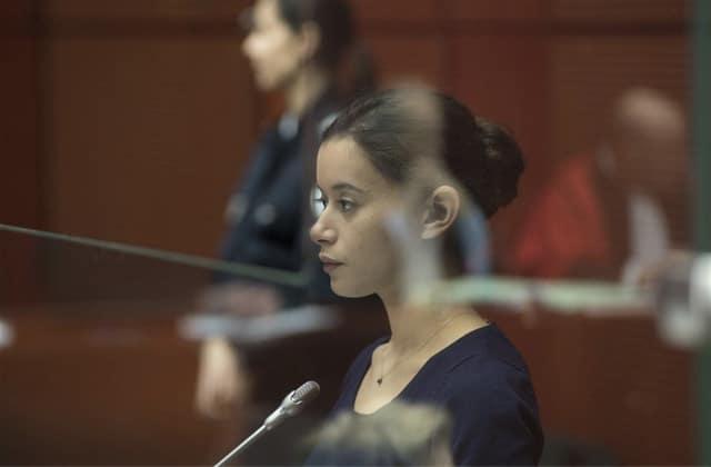 Découvre la bande-annonce de La Fille au bracelet, un drame judiciaire haletant