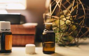 Les meilleures huiles essentielles pour rester détendue même confinée