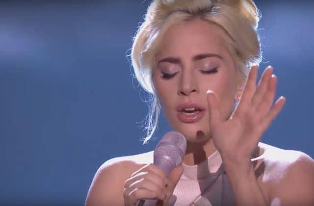 Le lineup DINGUE du concert confiné de Lady Gaga