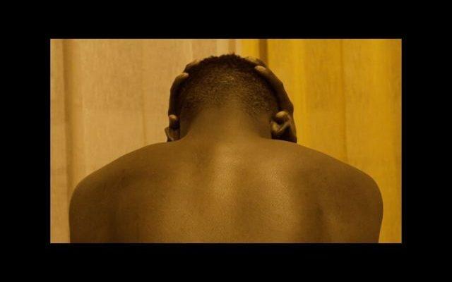 dans-le-noir-les-hommes-pleurent-masculinite-640x400.jpg