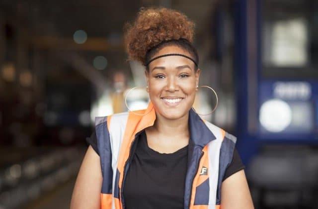 Découvre les métiers de 3 femmes qui bossent à la SNCF !