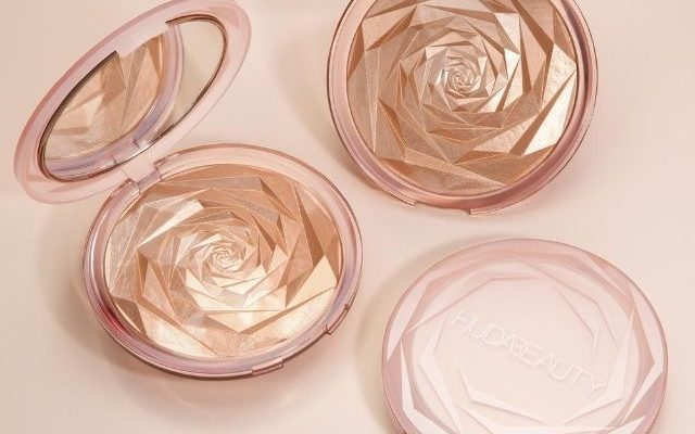 huda-beauty-highlighter-nymph-640x400.jpg