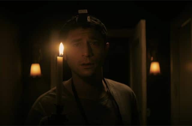 The Vigil, le film d'horreur de l'été, promet une nuit terrifiante avec un cadavre