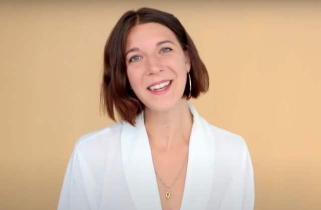 Queen Camille fait parler des femmes de leur première masturbation sur YouTube